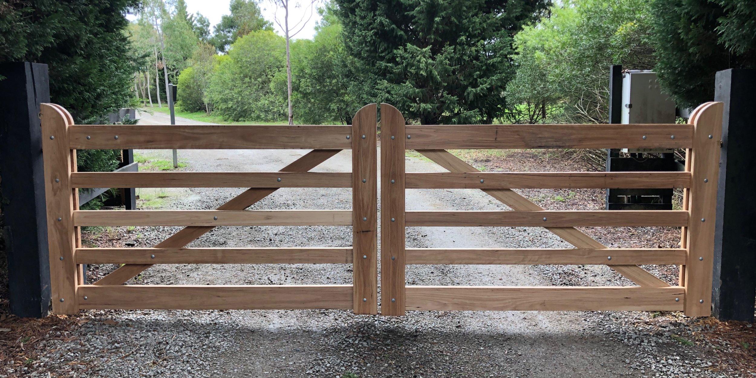 Wareham Double Gates.jpg Peninsula Timber Gates.jpg