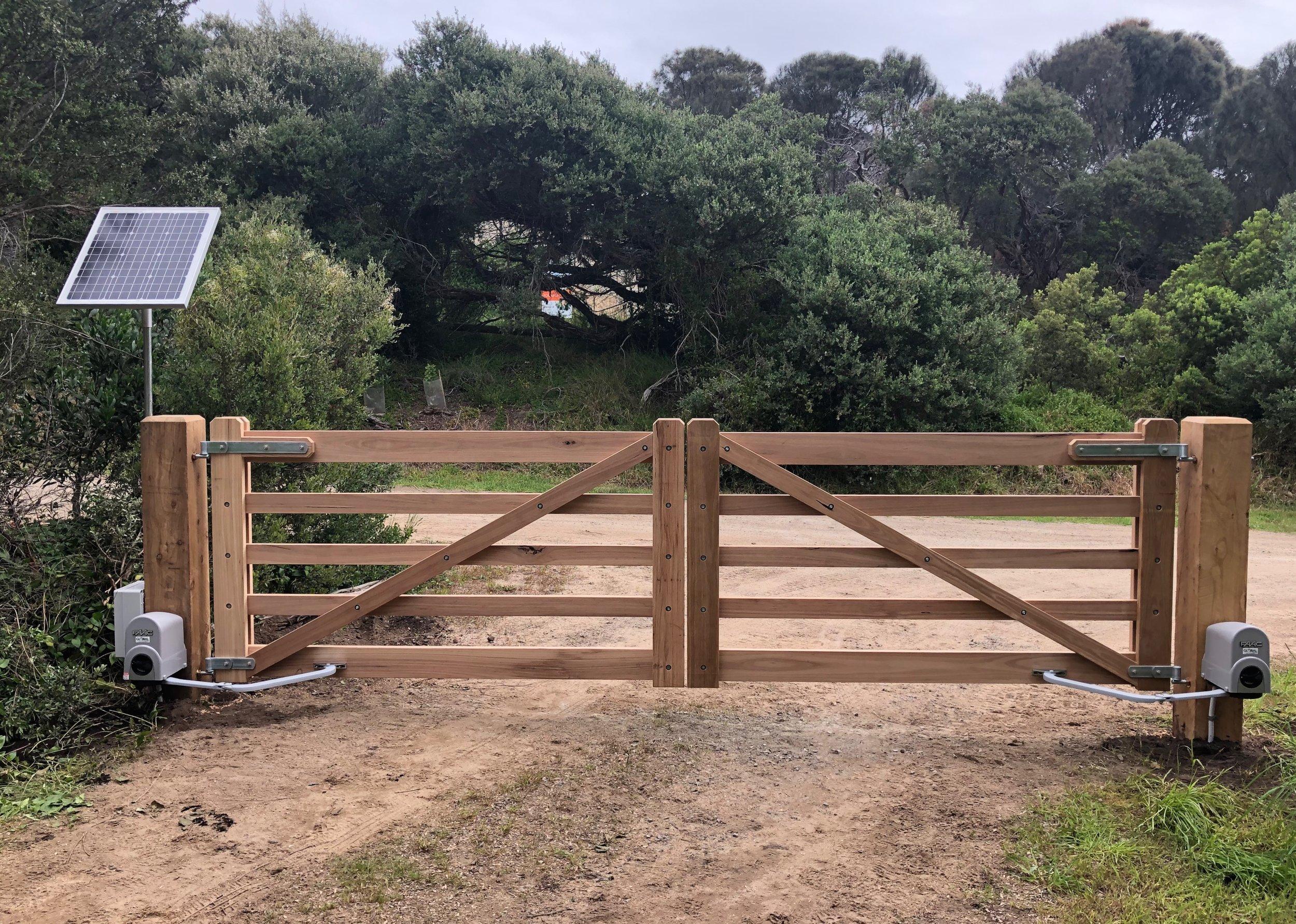 Andy Lees Gates. Peninsula Timber Gates.jpg