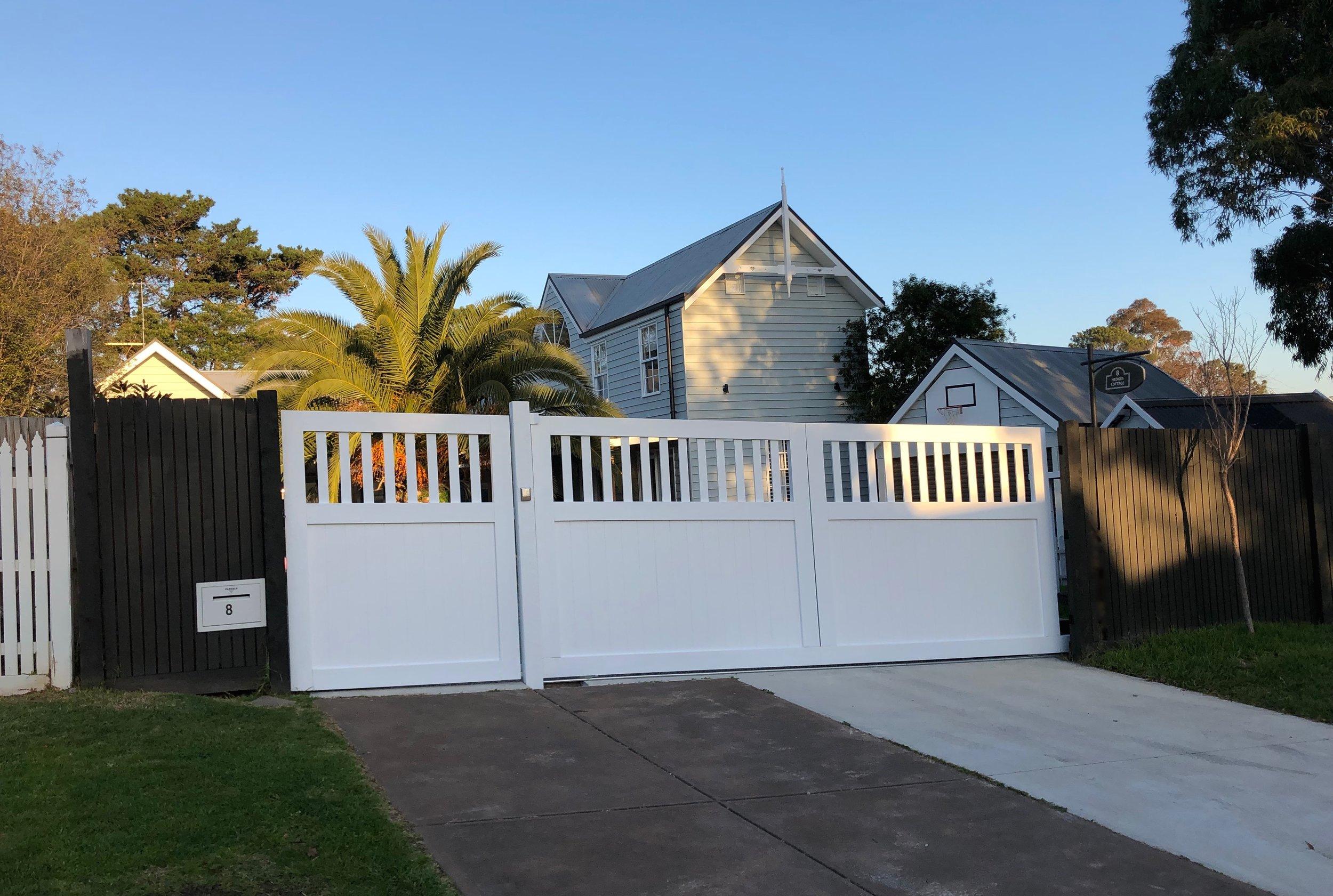 Angled sliding gate Peninsula Timber Gates.jpg