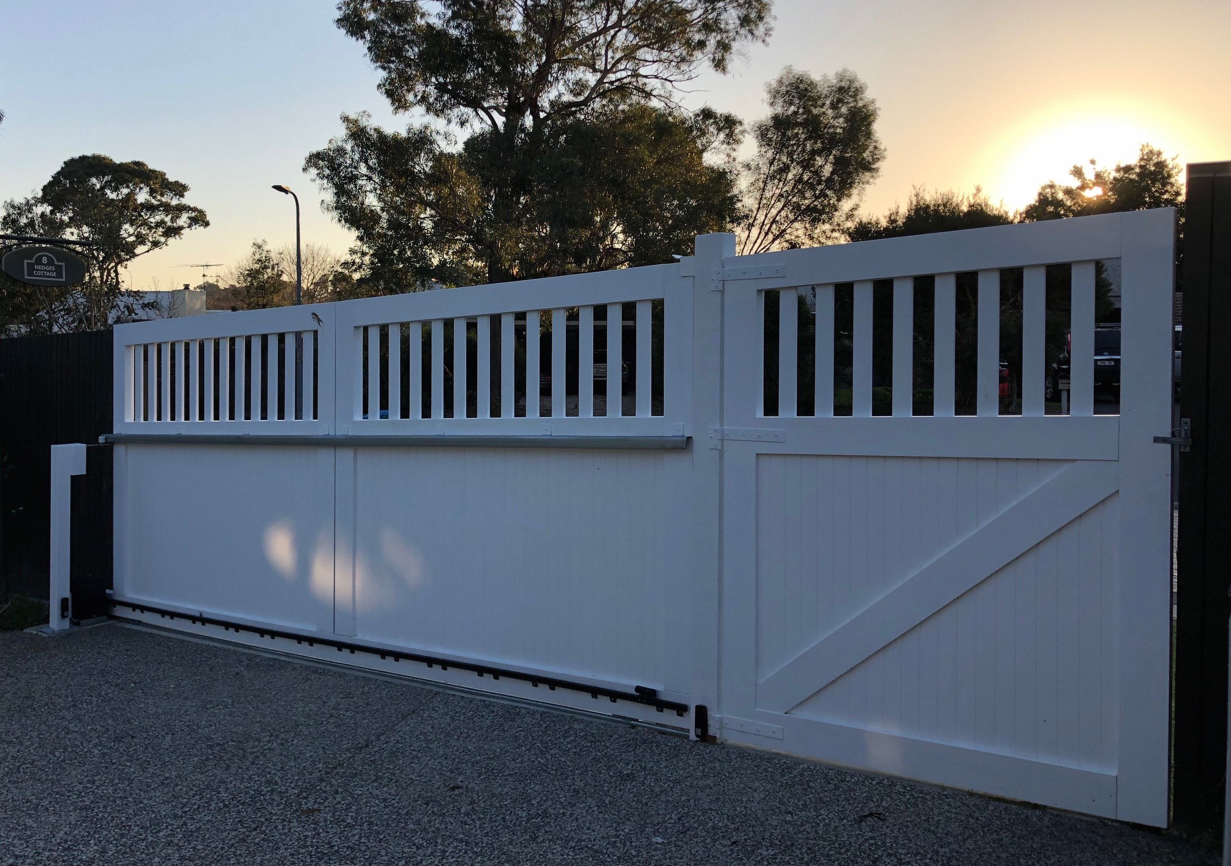 Angled sliding gate. Peninsula Timber Gates. (Back).jpg