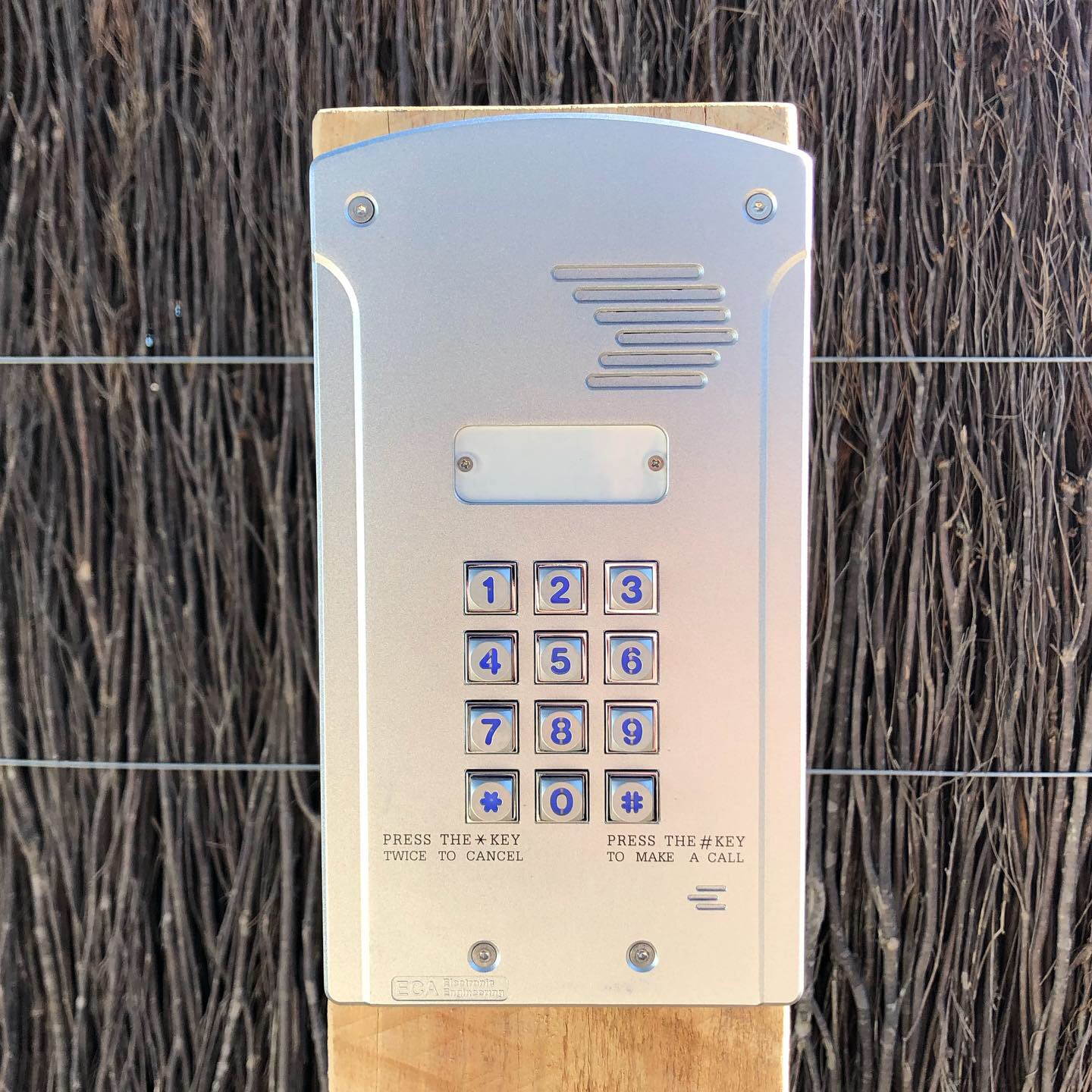 4g Mobile Intercom Systems. Installed by Peninsula Timber Gates.jpg