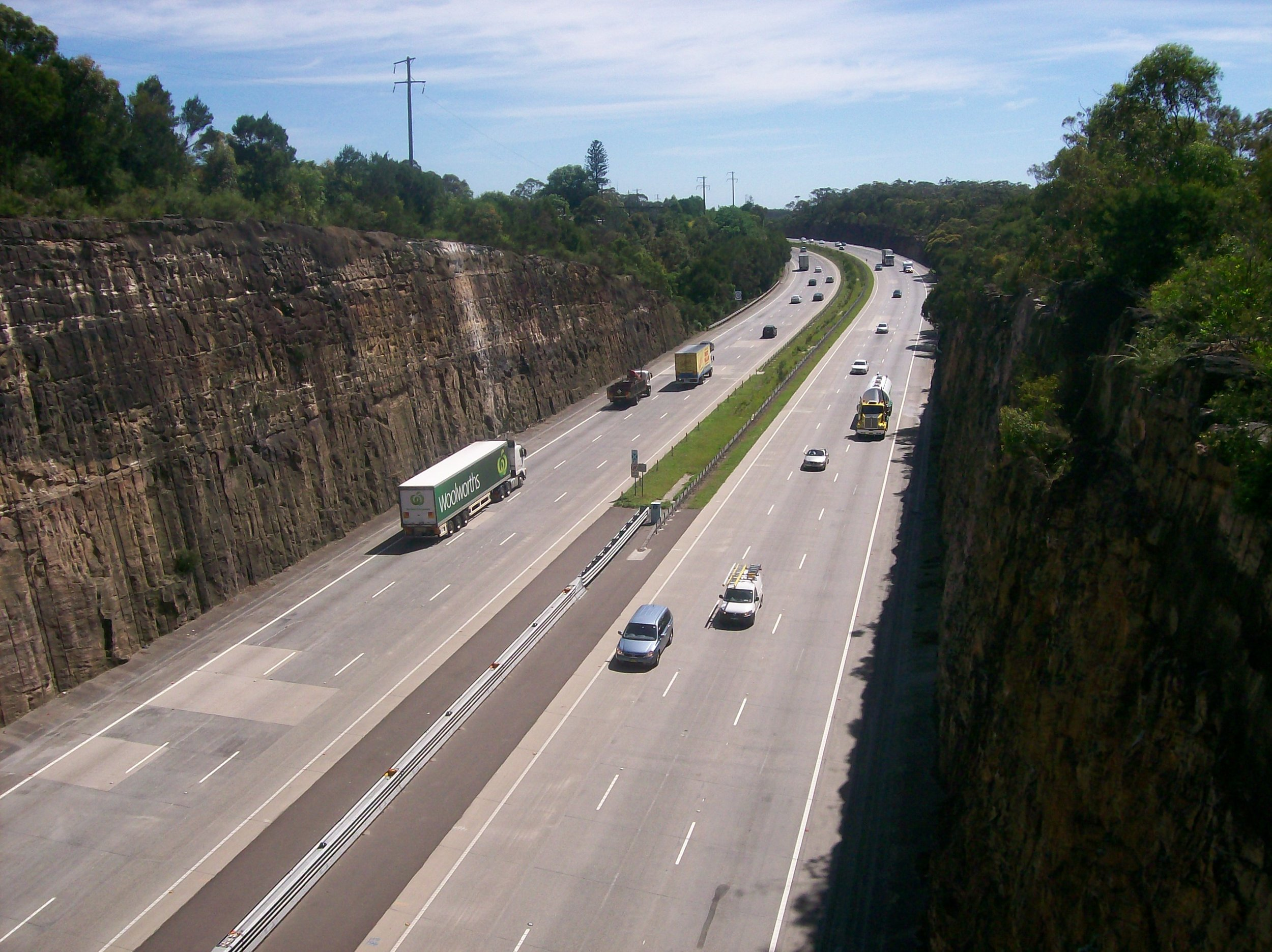 Transport- Newcastle_freeway_north_bound_at_Berowra.jpg