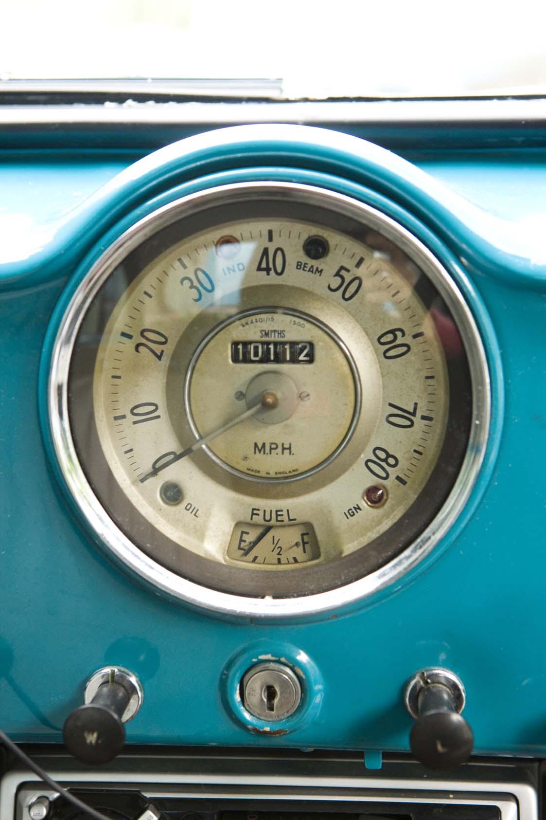 MORRIS & BIKE 108.jpg