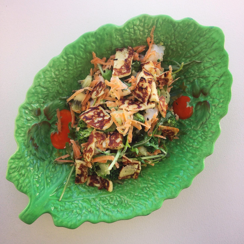 Prawn, Broccoli, Haloumi and Kiwi Spring Salad