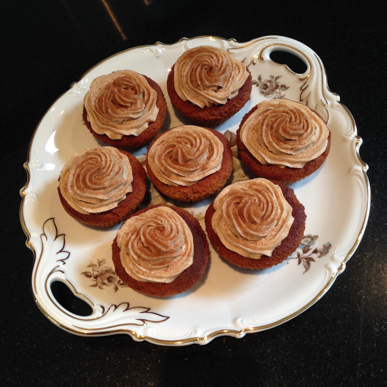 Salted Honey & Chai Babycakes