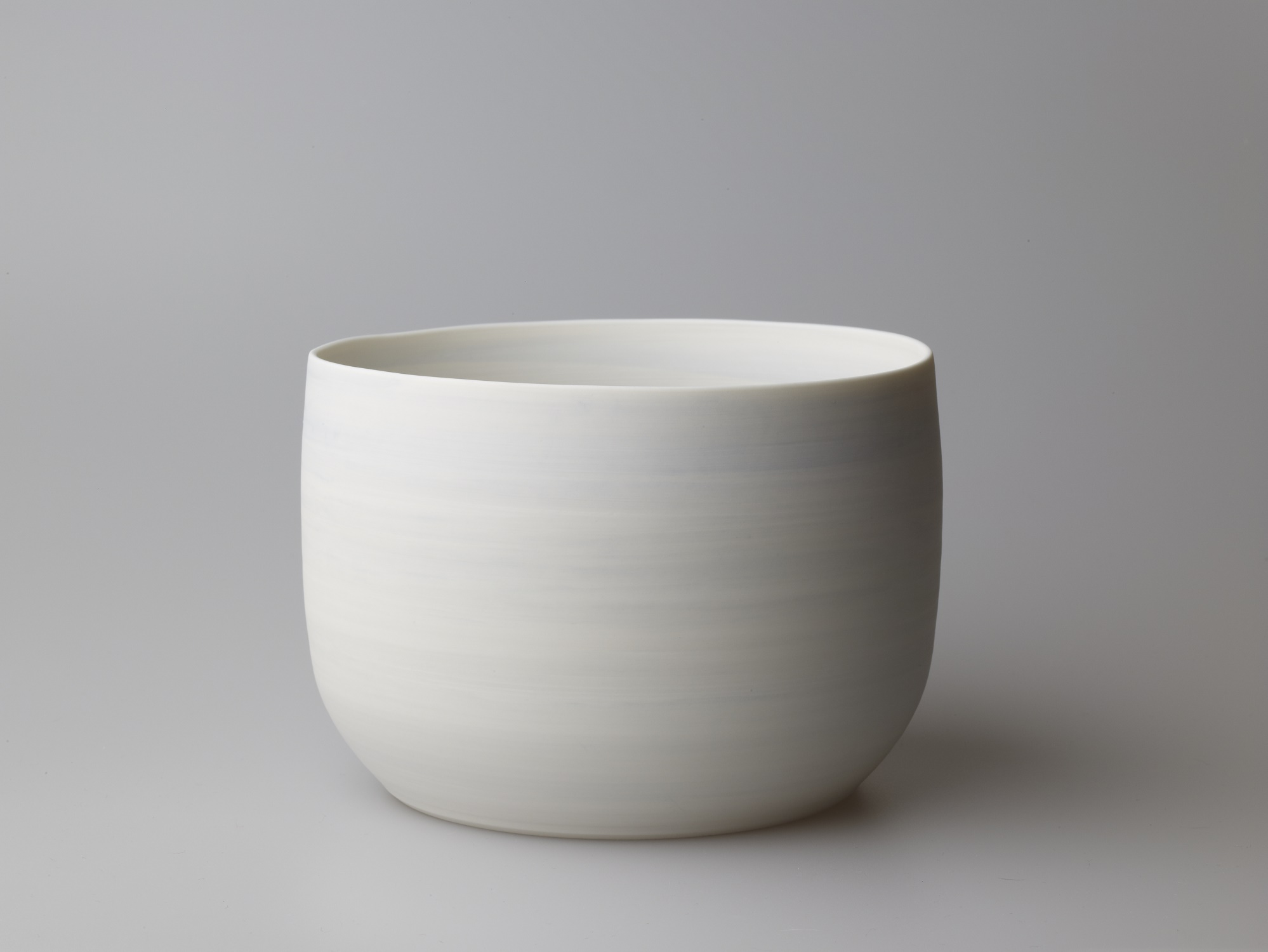 Large Light Blue and White Flat Bottomed Bowl  17 x 13 cm  £110