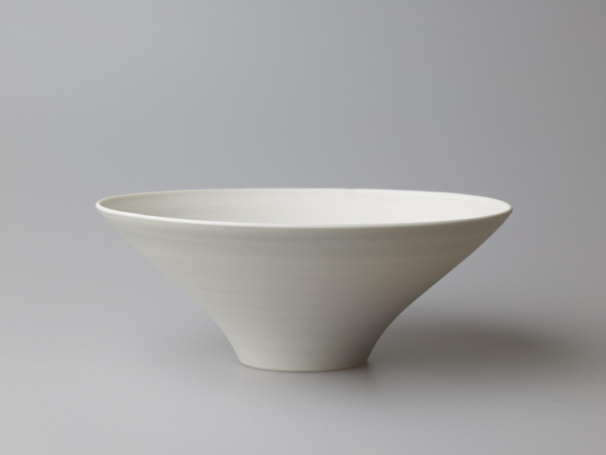 Medium Grey Wide Bowl  18.5 x 7 cm  £80