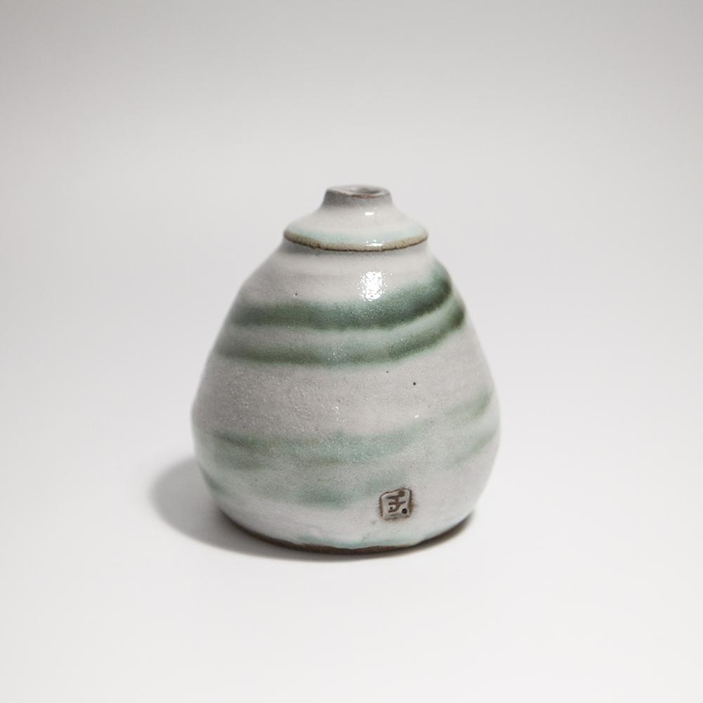 Short Grass Pot  ceramic  10 x 8.5 x 8.5 cm  £30