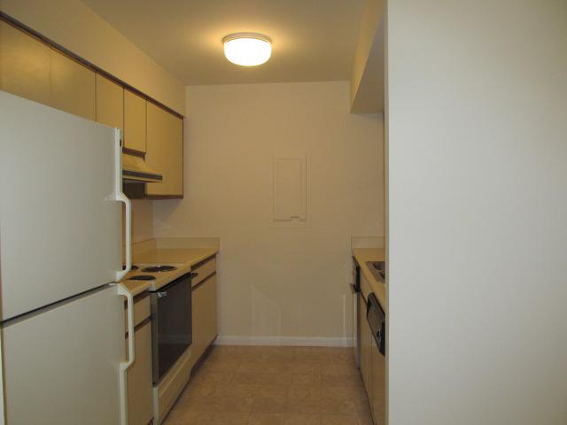 Brookberry Drive, 246 - Kitchen.jpg