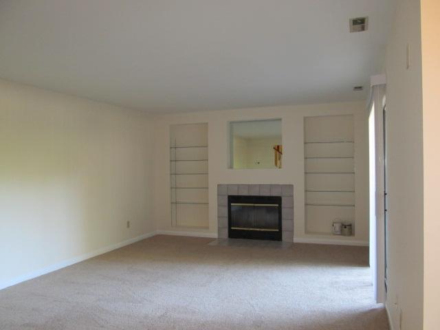Brookberry_Drive,_246_-_Living_Room II.jpg