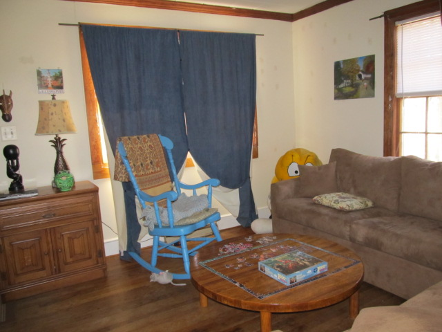 Davie Circle, 48 - Living Room II.jpg