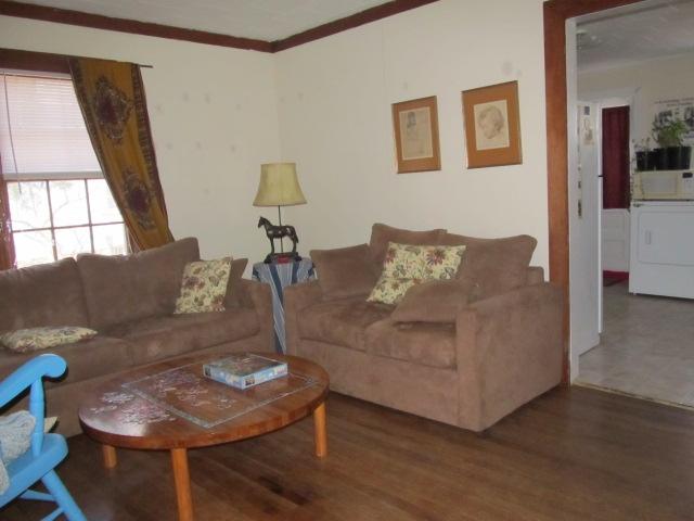 Davie Circle, 48 - Living Room.jpg