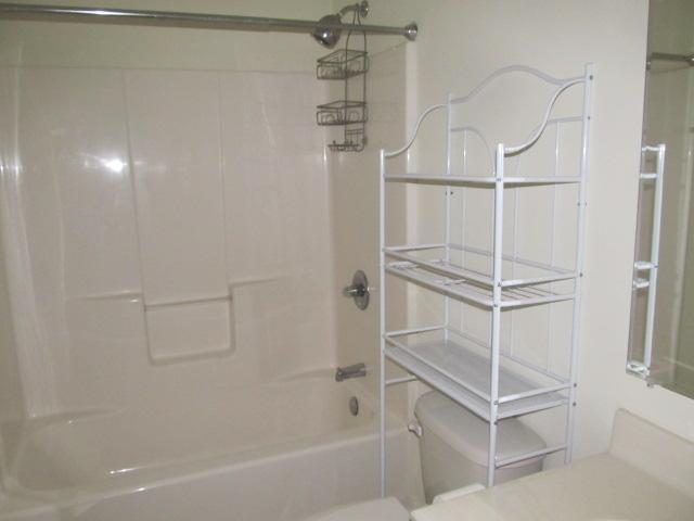 Stinson Street, 118- Bathroom.jpg
