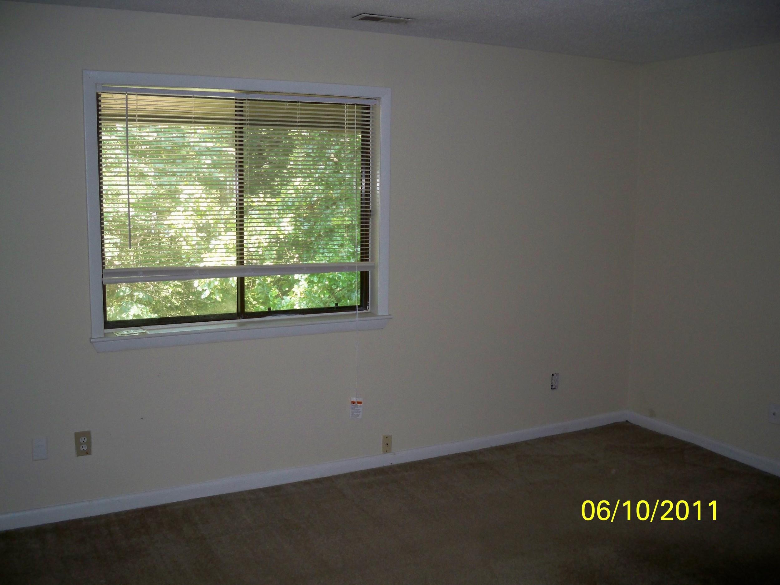Oak Tree Drive, 1005 - Bedroom.jpg