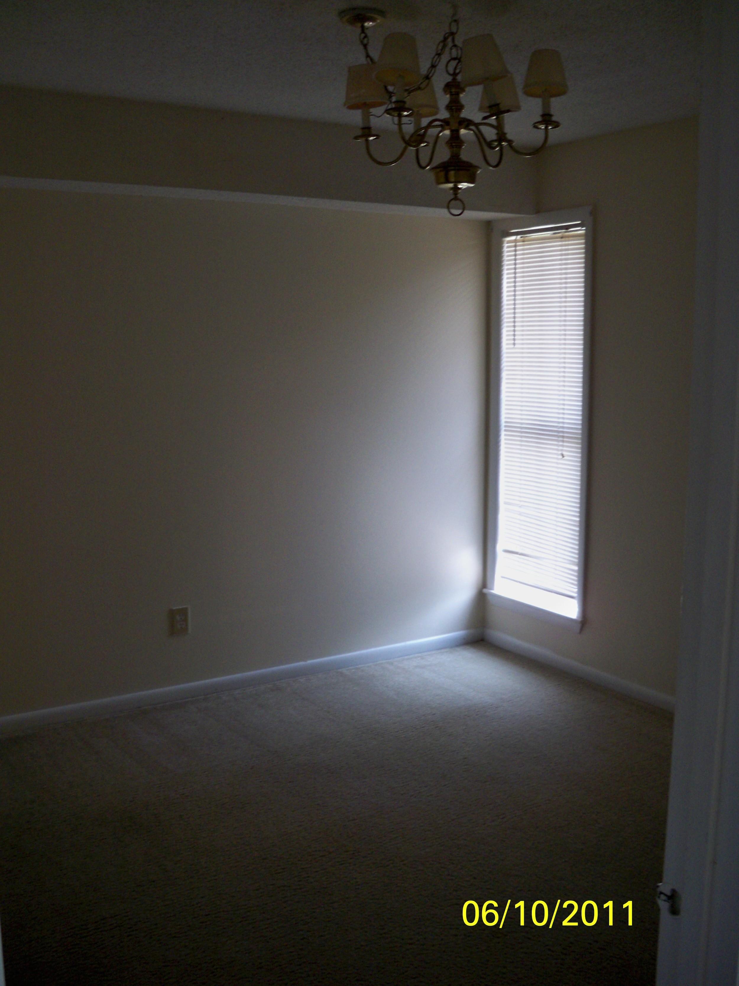 Oak Tree Drive, 1005 - Dining Room.jpg