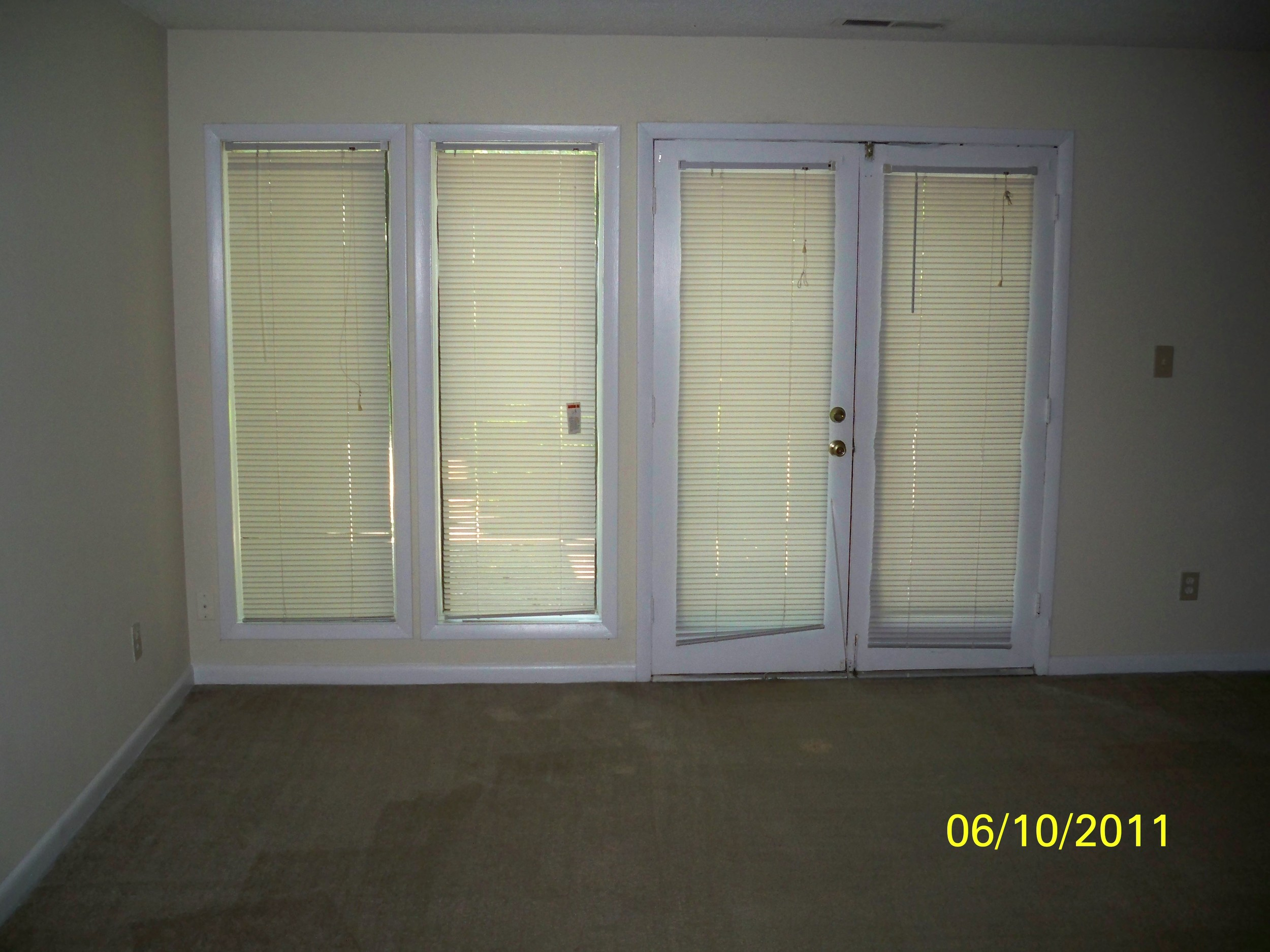 Oak Tree Drive, 1005 - Living Room.jpg