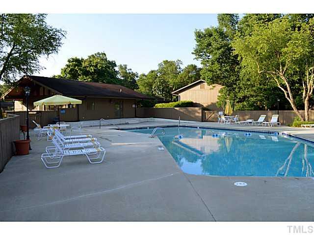 Oaks Community Pool.jpg