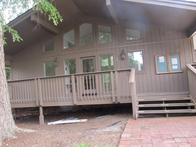 The Oaks Community Center.jpg
