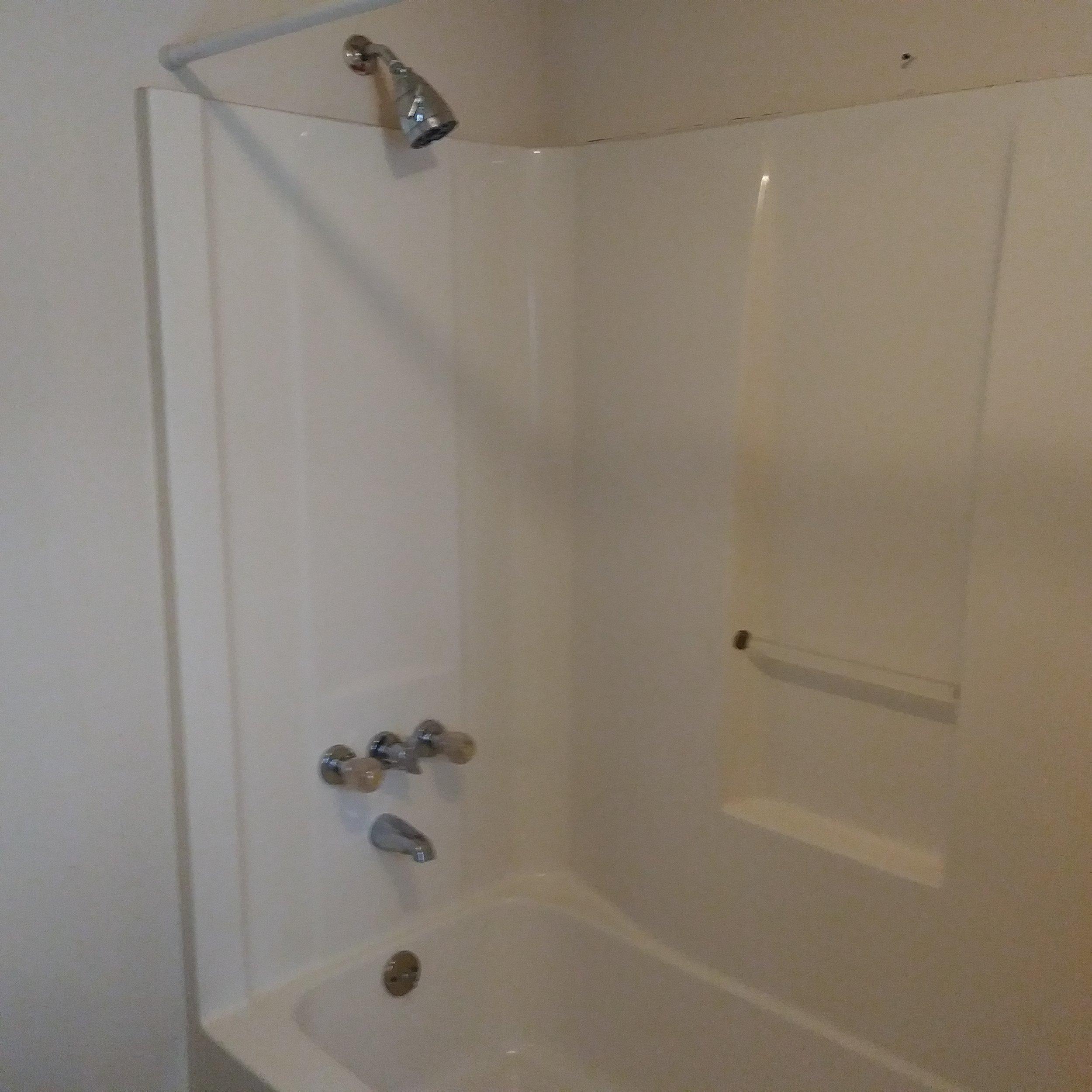Graham Street, S., 119 - Bathroom II.jpg