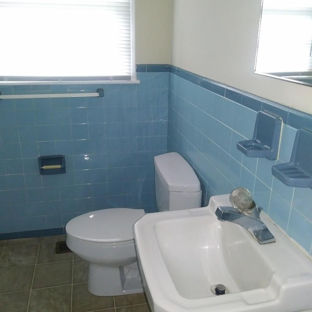 Taylor Street, 113 - Bathroom II.jpg
