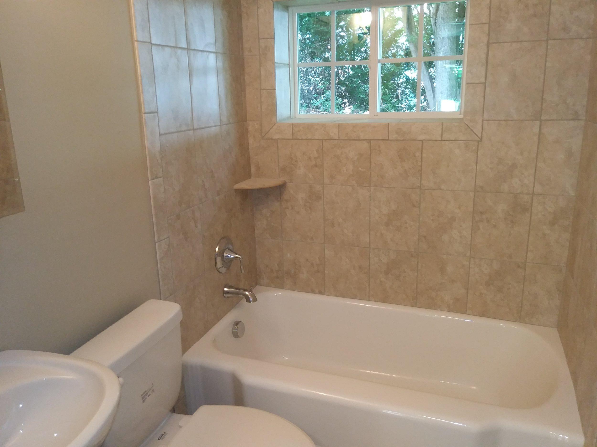 Isley Street, 103-B Bathroom.jpg