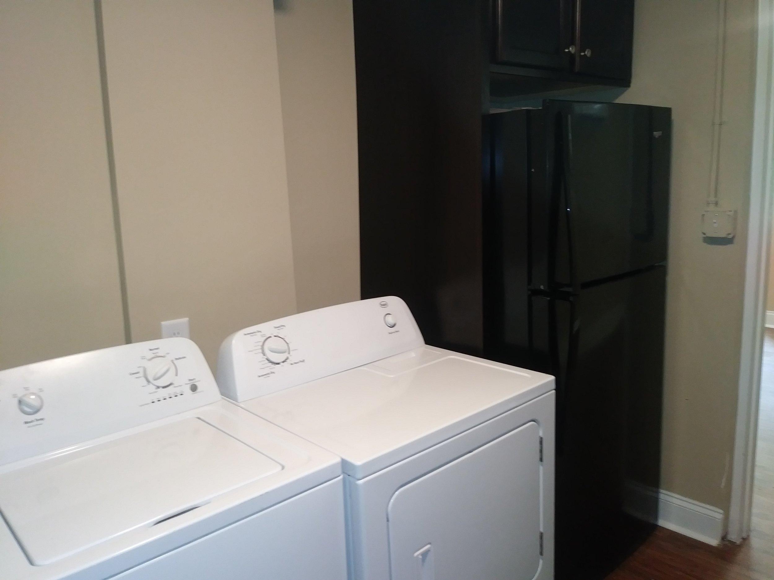 Isley Street, 103-B Washer-dryer.jpg