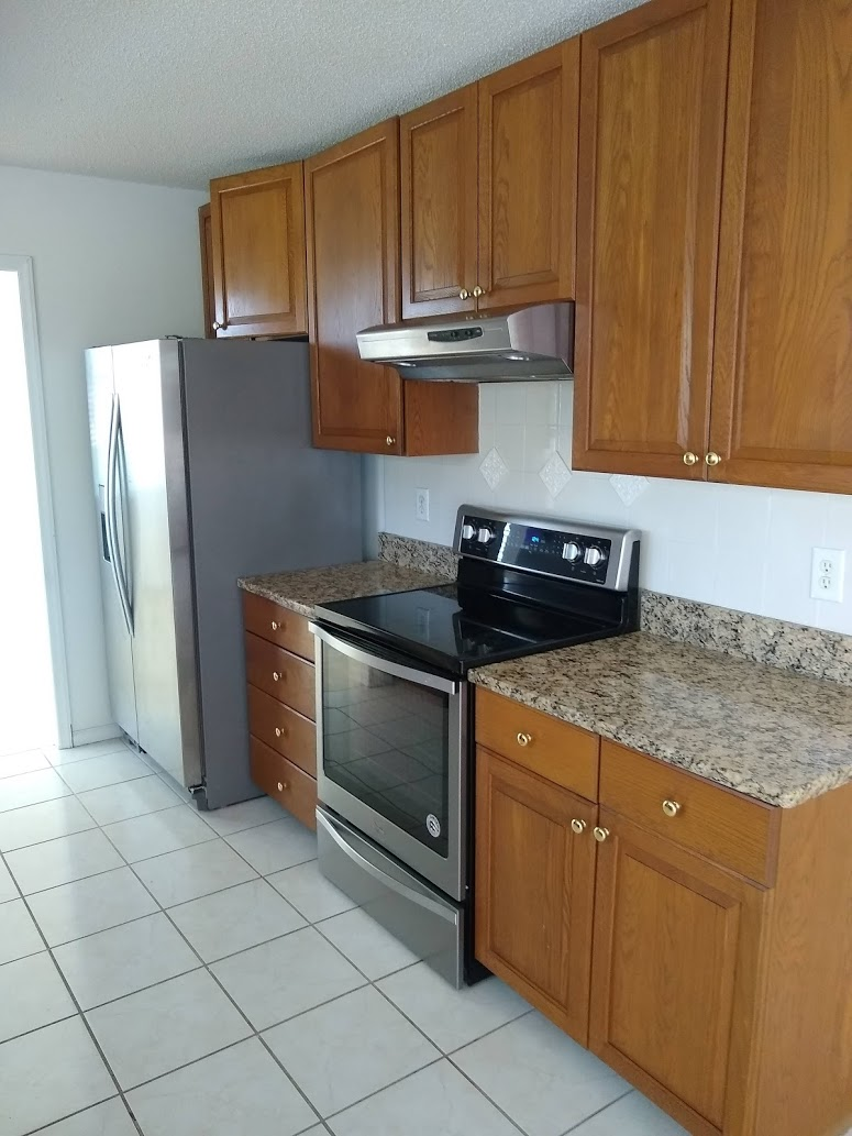 Corbin Hills Circle 103 - Kitchen II.jpg
