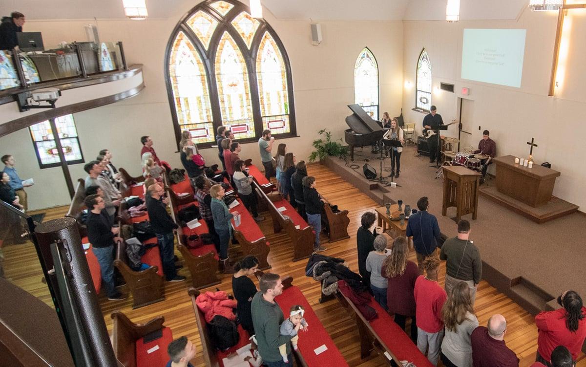 redeemer-worship2.jpg