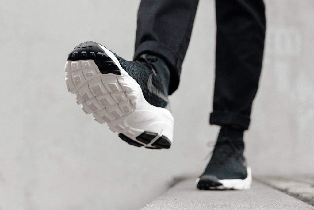 NIKE-AIR-FOOTSCAPE-MAGISTA-FLYKNIT-BLACK-3857-WEB-SoleHeaven-ON-FOOT-OTF.jpg