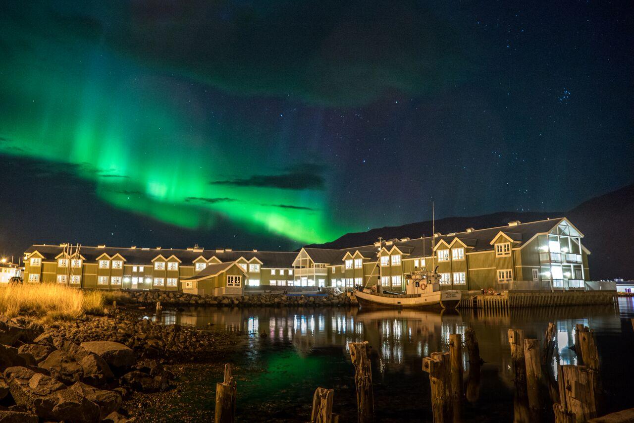 Aurora Borealis above Siglo Hotel Picture by Gunnlaugur Guðleifsson