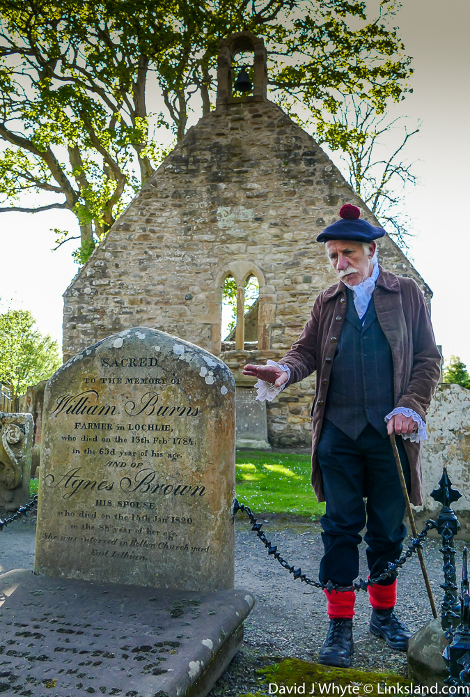 Sandy, one of our guides, regales us on Burns family members buried here at Alloway Auld Kirk