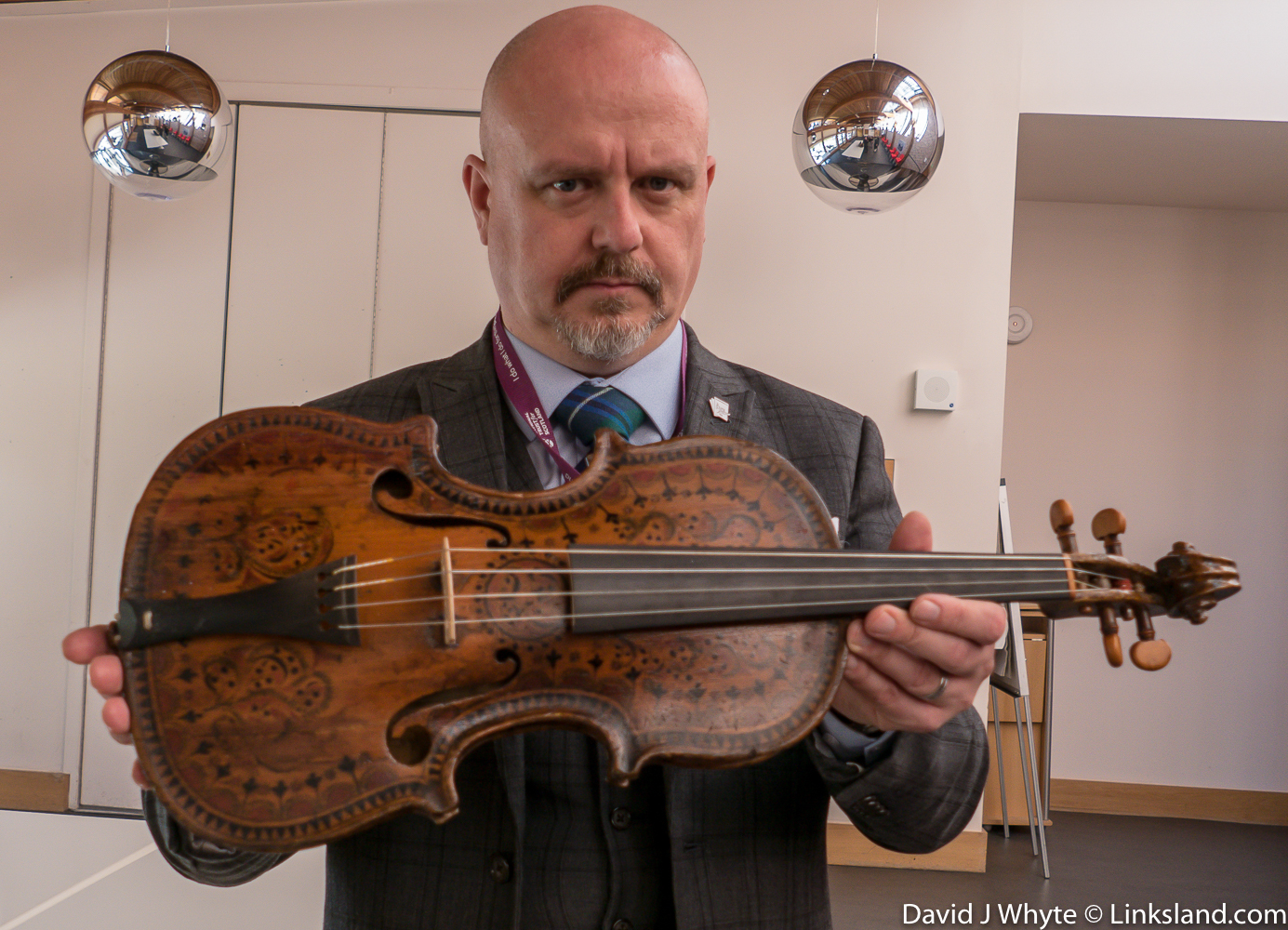 In 1779, the adolescent Robert Burns attended dancing lessons in Tarbolton, most likely looking for the opportunity to meet young ladies. His dance teacher William Gregg played this fiddle while Robert learned the steps.