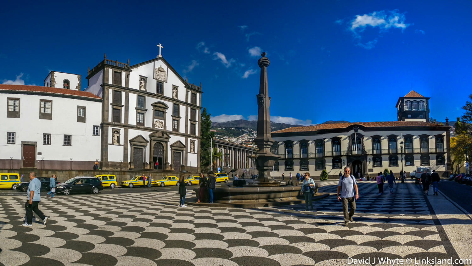 Largo do Colegio, Old Funchal, Madeira, © David J Whyte @ Linksland.com.jpg
