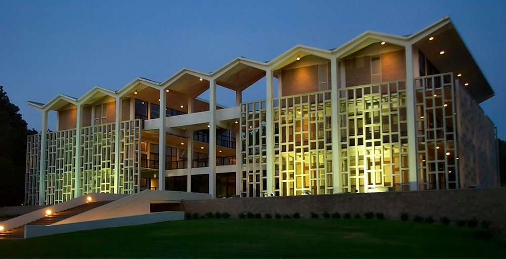 Rust Hall atMemphis College of Art - 1930 Poplar AvenueMemphis, TN 38104