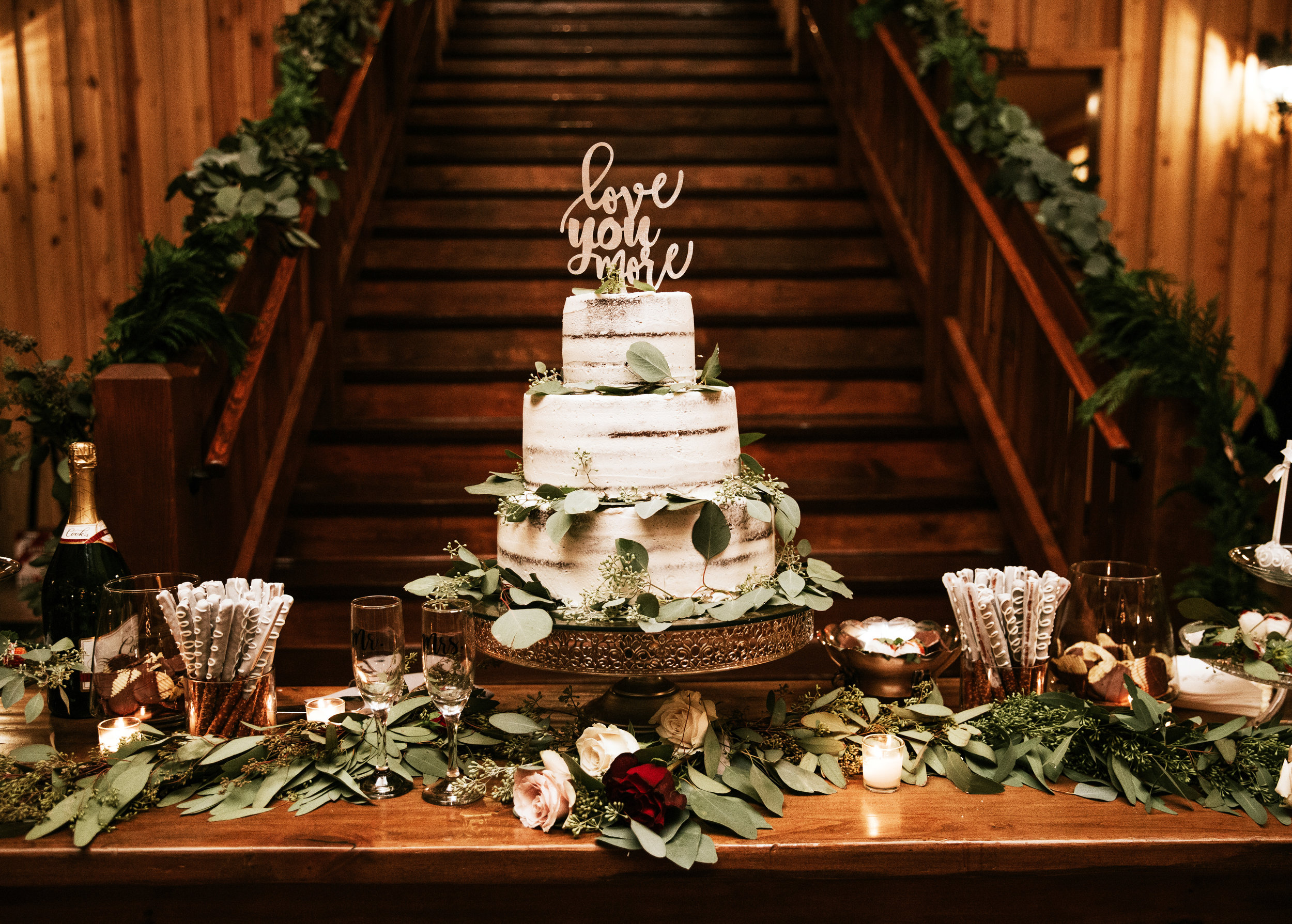 Wedding Cake and Sweet Treats:  Mishelle Handy Cakes