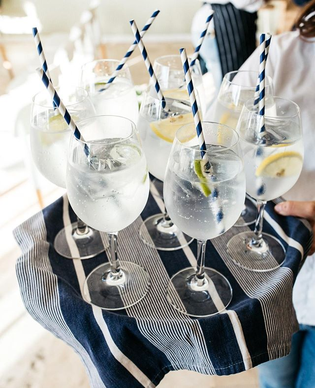 Refreshments on arrival ⁠ #theboathousegroup #theboathousepalmbeach #palmbeachweddings #cocktailevents #watersidevenue