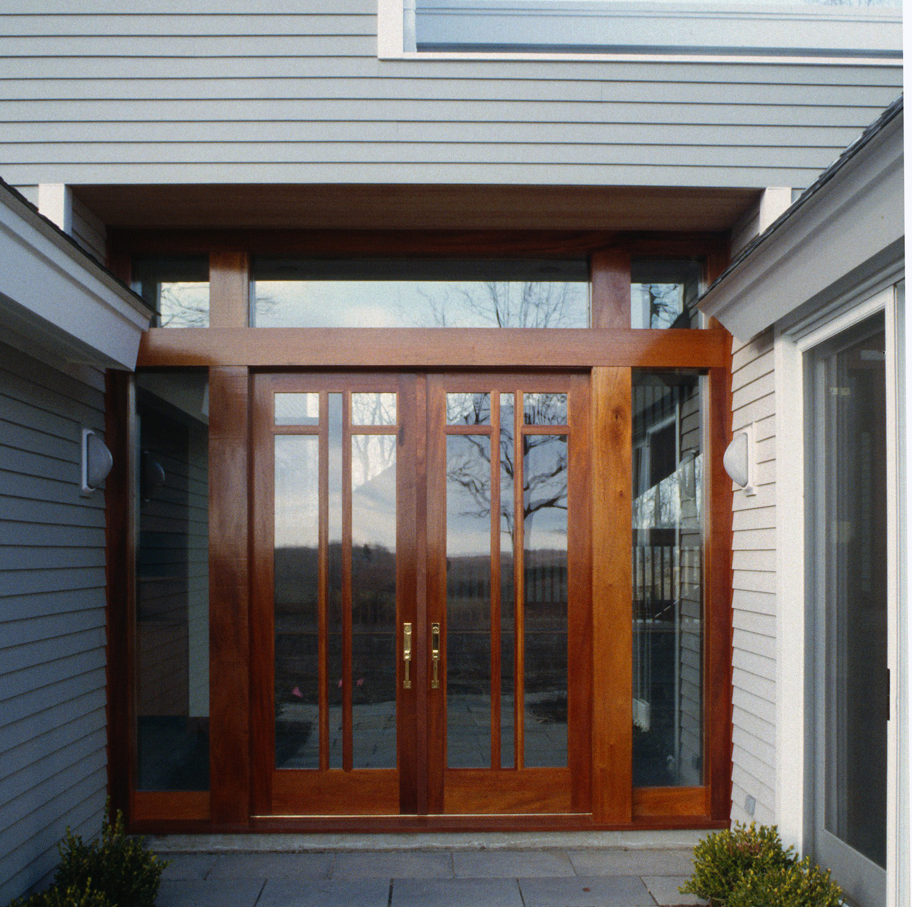 e Exterior Entry.jpg