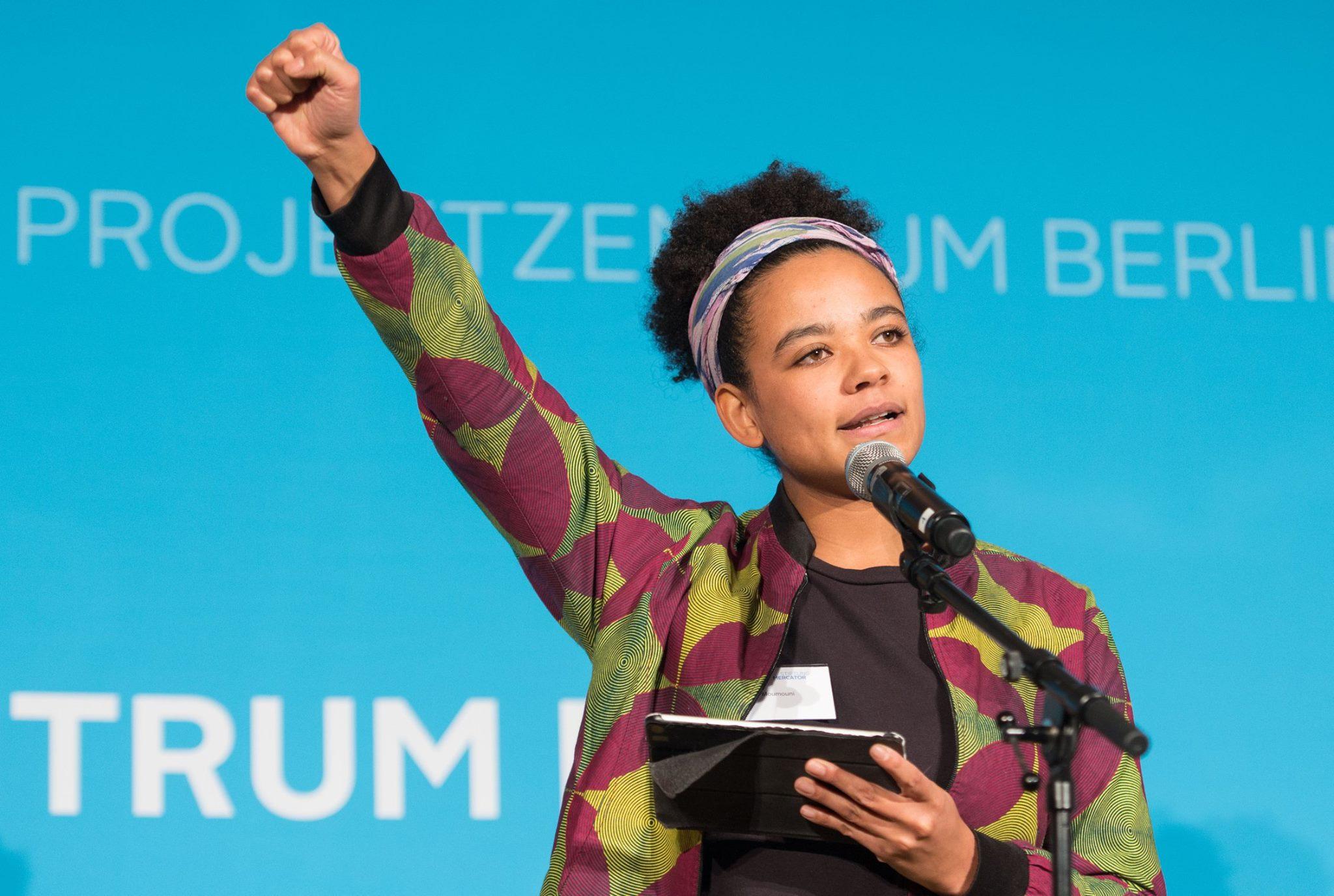Poetry Slammerin Fatima Momouni