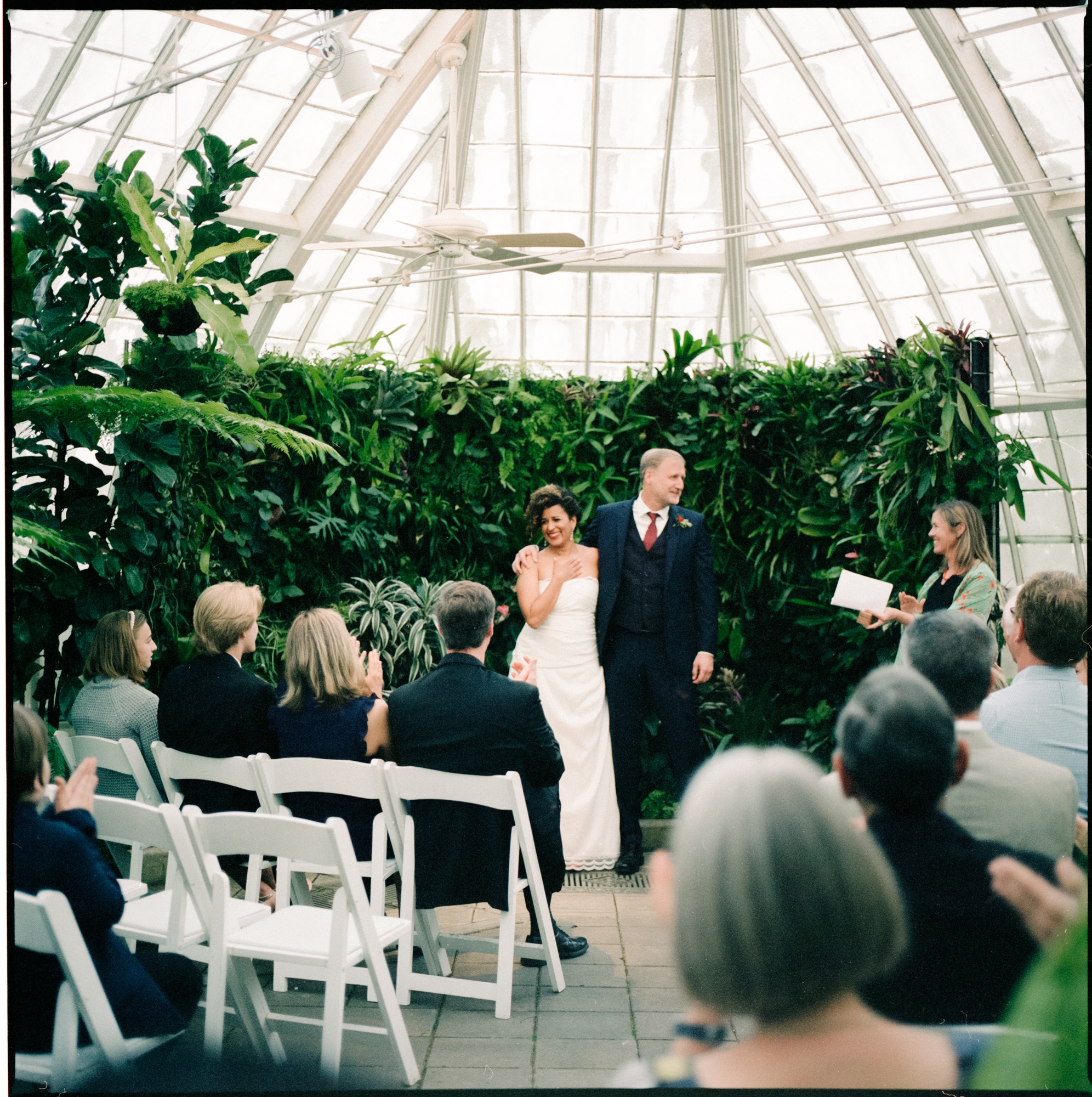 Conservatory_of_Flowers_San_Francisco_Wedding_032.jpg