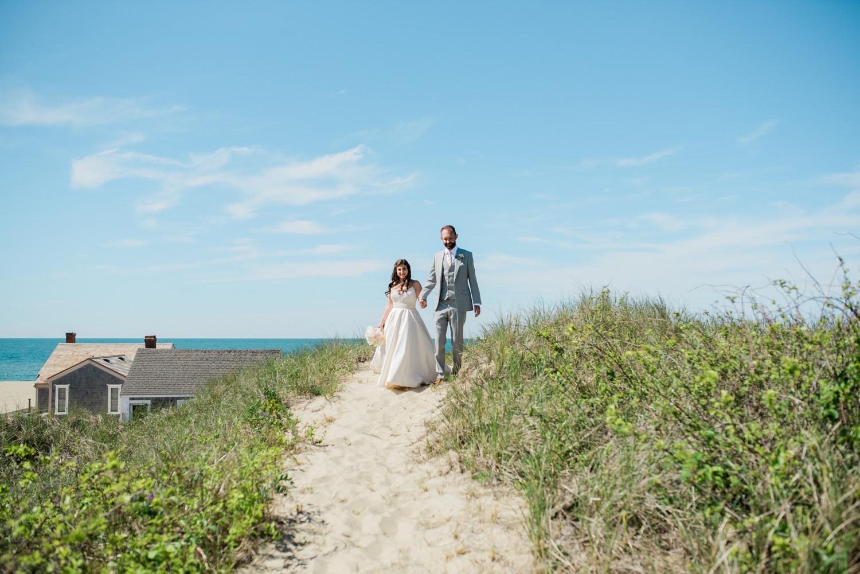 Nantucket_Galley_Beach_Wedding_011.jpg