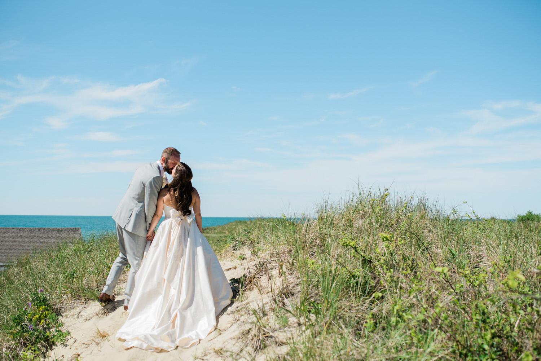 Nantucket_Galley_Beach_Wedding_013.jpg