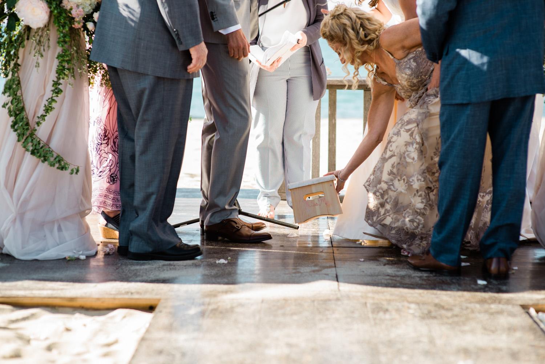 Nantucket_Galley_Beach_Wedding_026.jpg