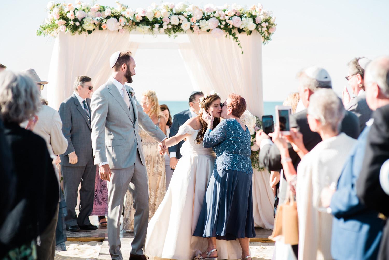 Nantucket_Galley_Beach_Wedding_029.jpg