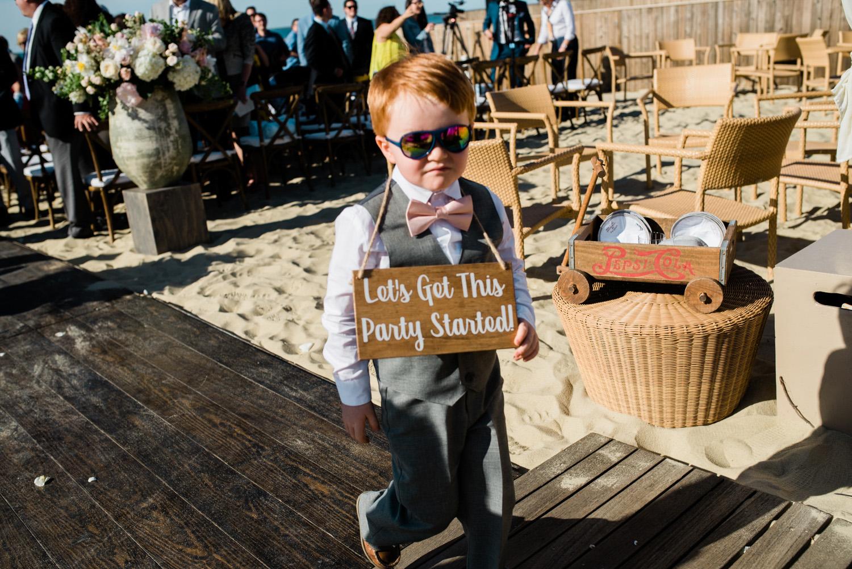 Nantucket_Galley_Beach_Wedding_030.jpg