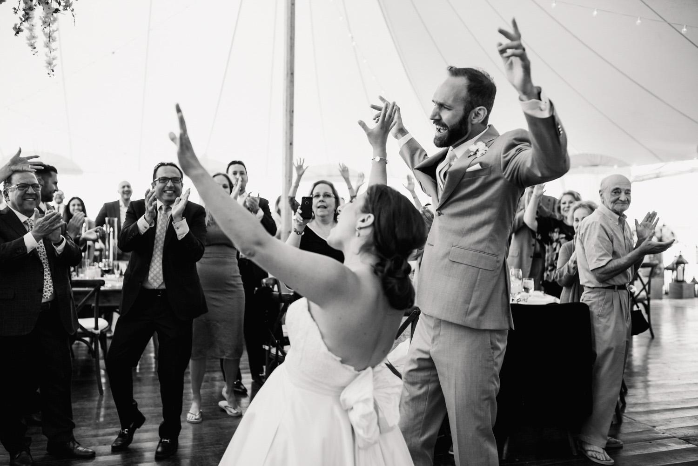 Nantucket_Galley_Beach_Wedding_040.jpg