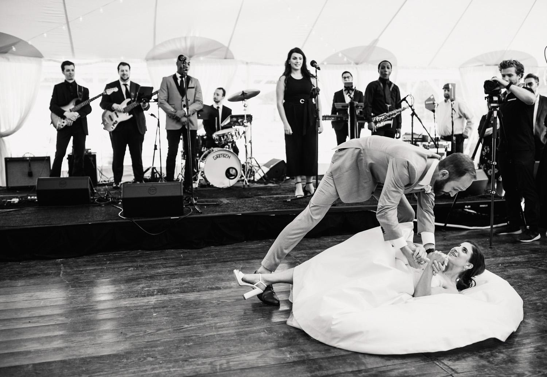 Nantucket_Galley_Beach_Wedding_041 (1).jpg