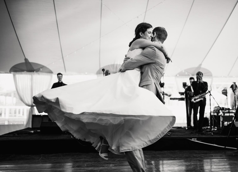 Nantucket_Galley_Beach_Wedding_042.jpg