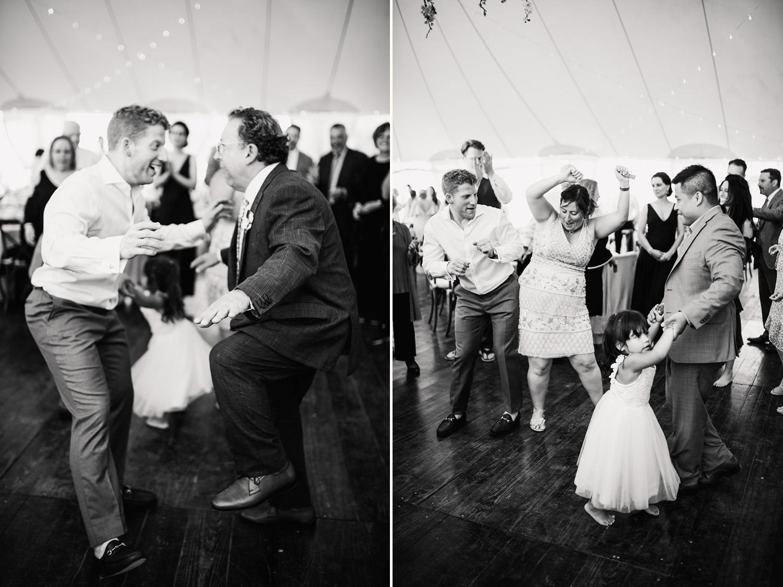 Nantucket_Galley_Beach_Wedding_043.jpg