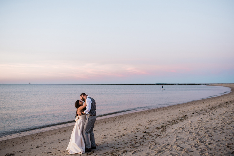 Nantucket_Galley_Beach_Wedding_056.jpg