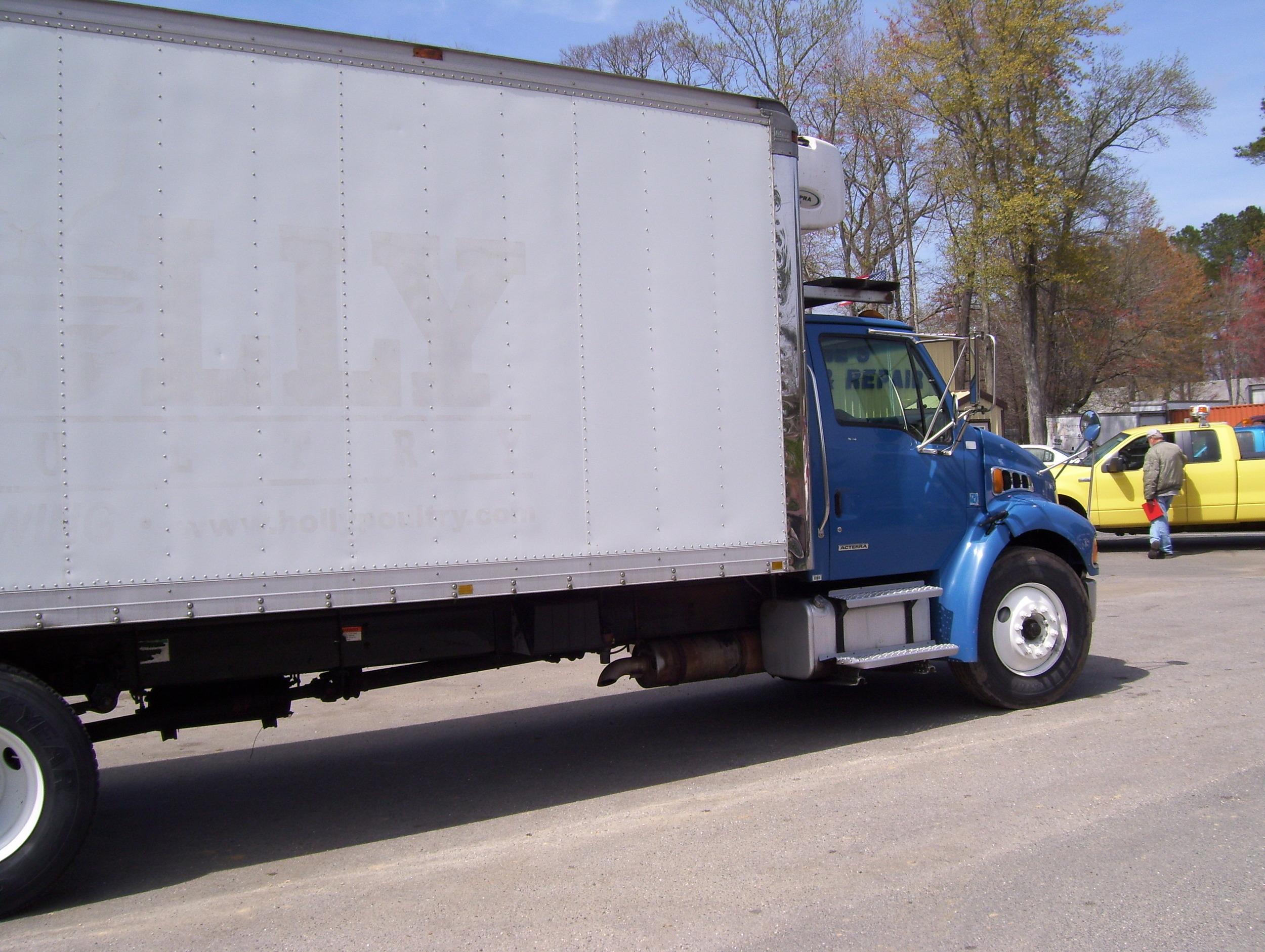 2006 Sterling 22' Refer Truck